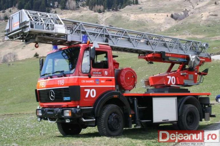 [Imagine: autospeciala-pompieri-gherla.jpg]