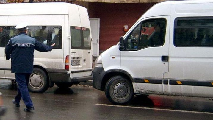 politisti microbuz