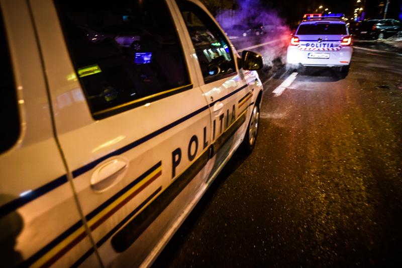 politie-masina-noaptea-politist-3