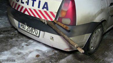 politisti atacati cu furca